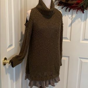 Chunky Olive green cold shoulder sweater, ruffle